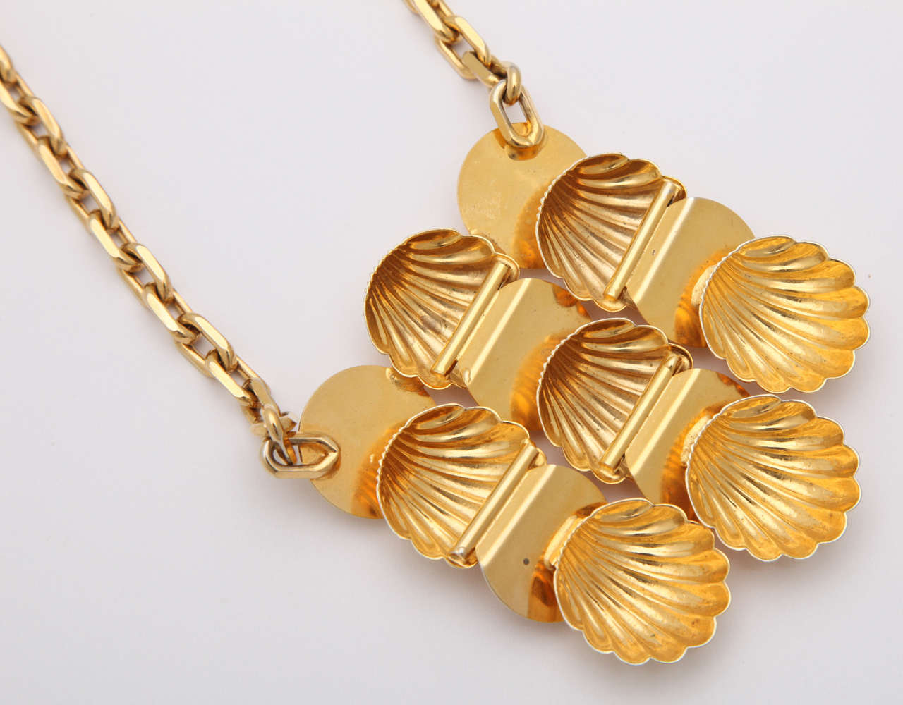 Shell Medallion Necklace 4