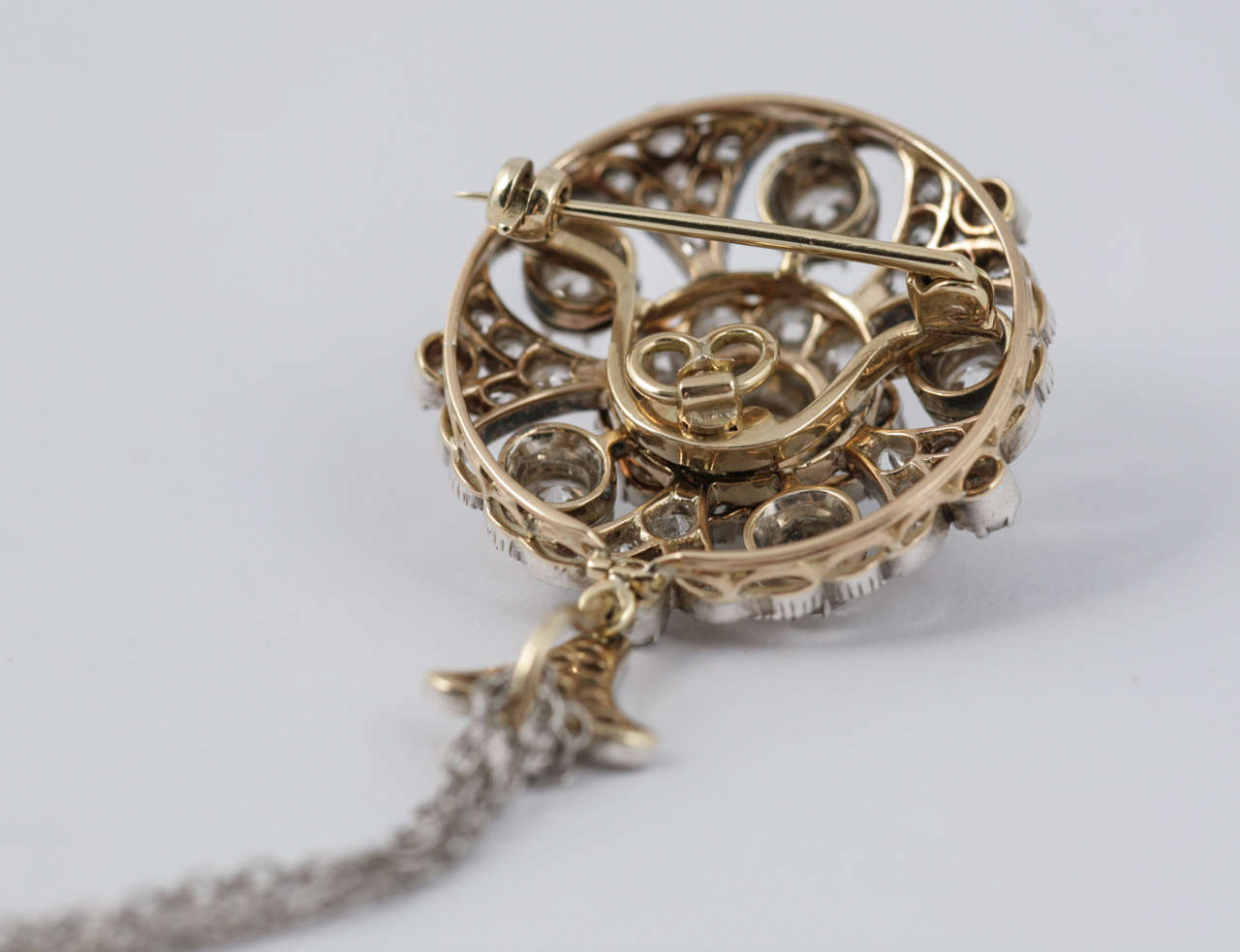 Late Victorian Diamond Target Cluster Brooch/Pendant For Sale 2