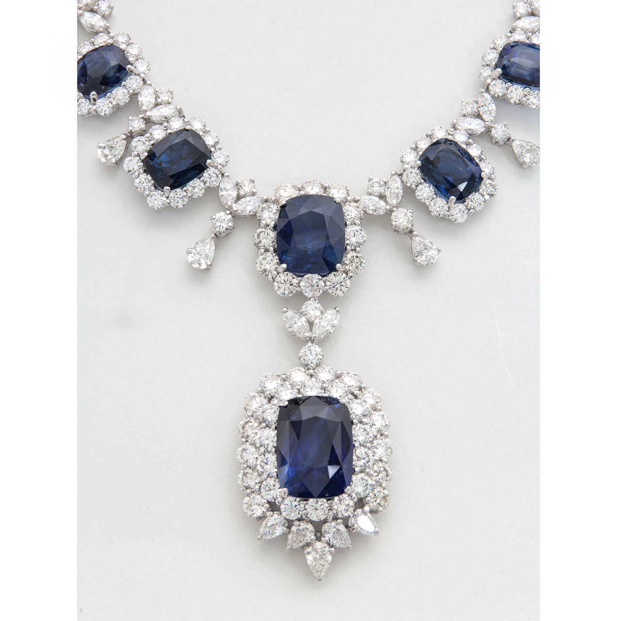 Important Cushion Cut Ceylon Sapphire Diamond Platinum Necklace For Sale 2