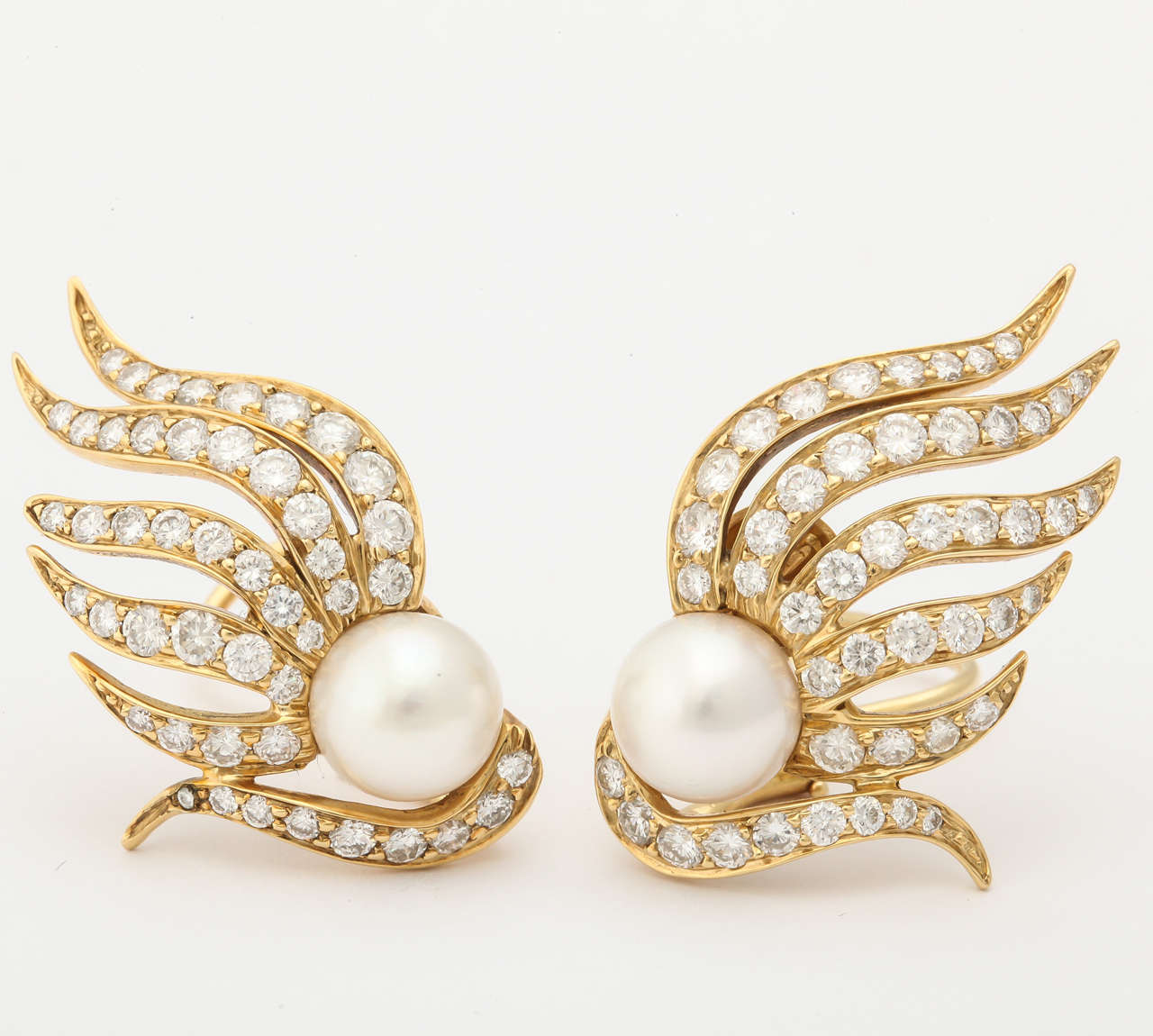 1980s Seaman Schepps Pearl Diamond Gold Flame Earclips For Sale 1