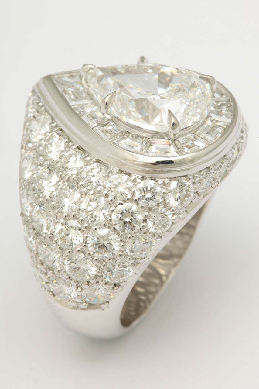 Magnificent Pear Shape Diamond RIng For Sale 3