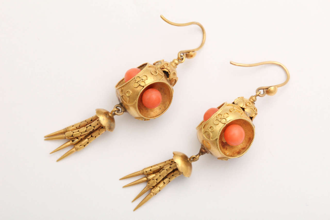 Victorian Coral 18k Gold Chandelier Earrings, circa 1870 For Sale 2
