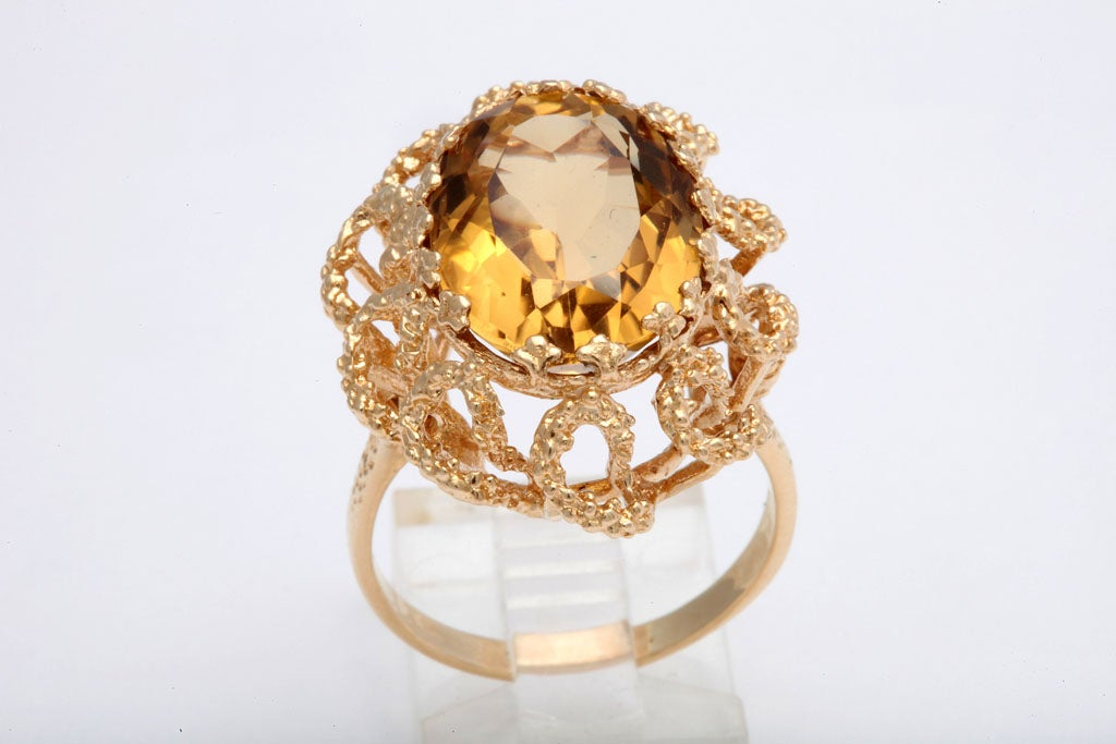 Modernist Citrine Flower Gold Swirls Cocktail Ring In Excellent Condition For Sale In Miami Beach, FL