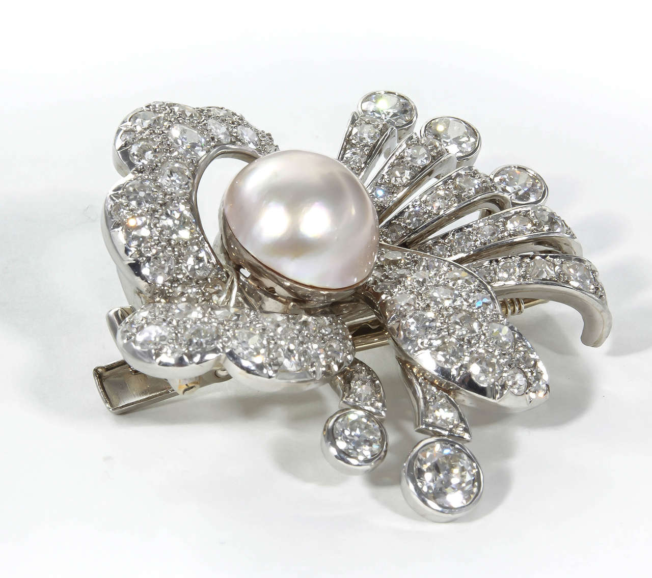 1930s Pearl Diamond Platinum Hair Piece or Brooch In Excellent Condition For Sale In New York, NY