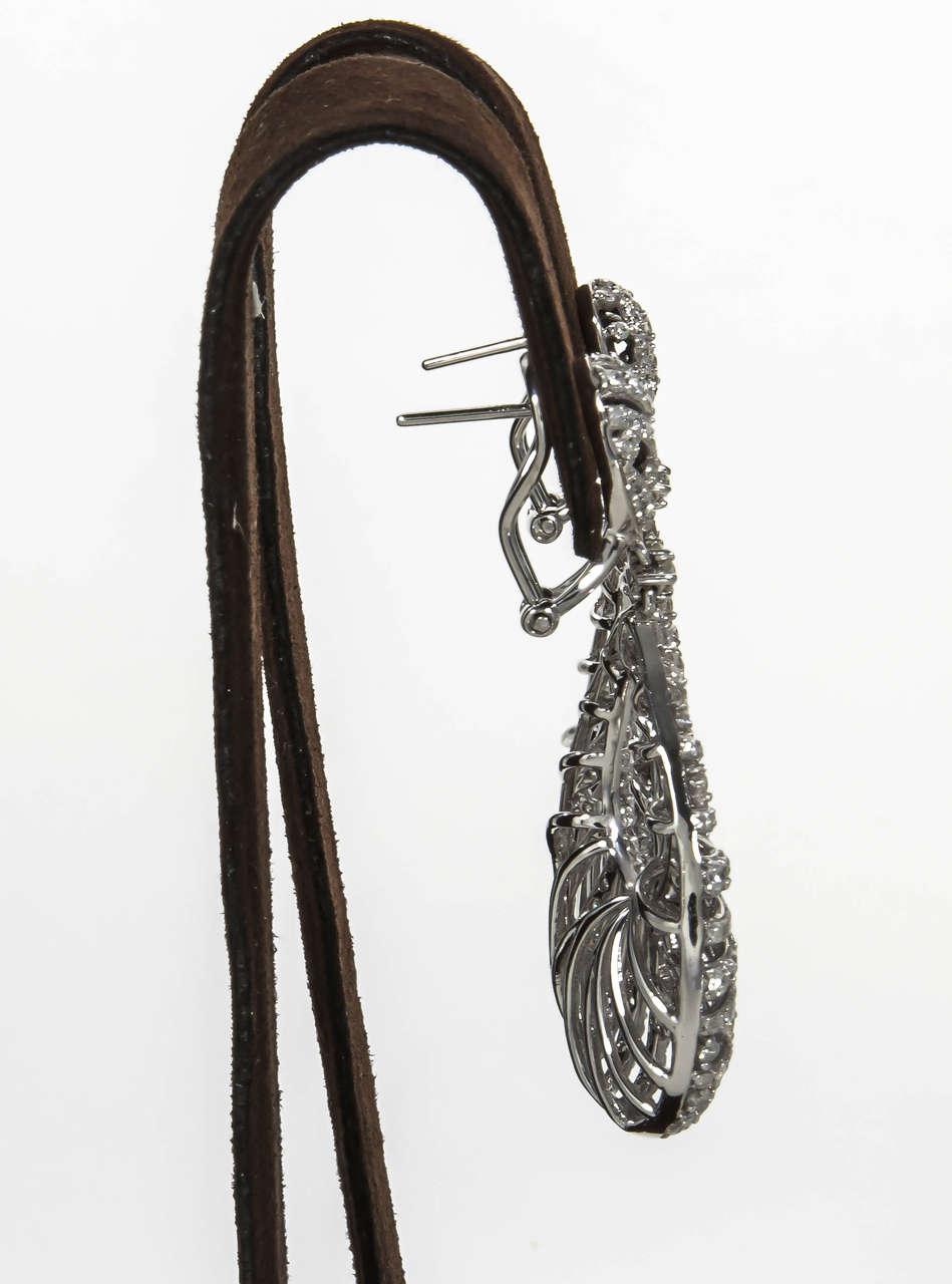 Women's Pear Shaped Diamond Gold Dangle Earrings For Sale