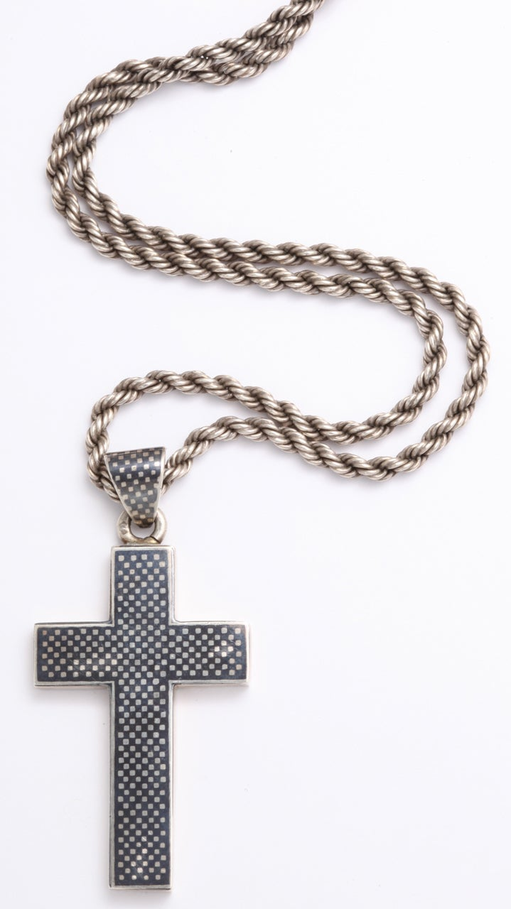 Victorian Niello Cross on a Rope chain For Sale 1