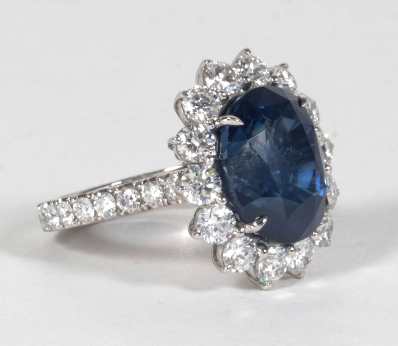 Elegant 11.73 Carat GIA Certified Sapphire Diamond Platinum Ring In New Condition For Sale In New York, NY