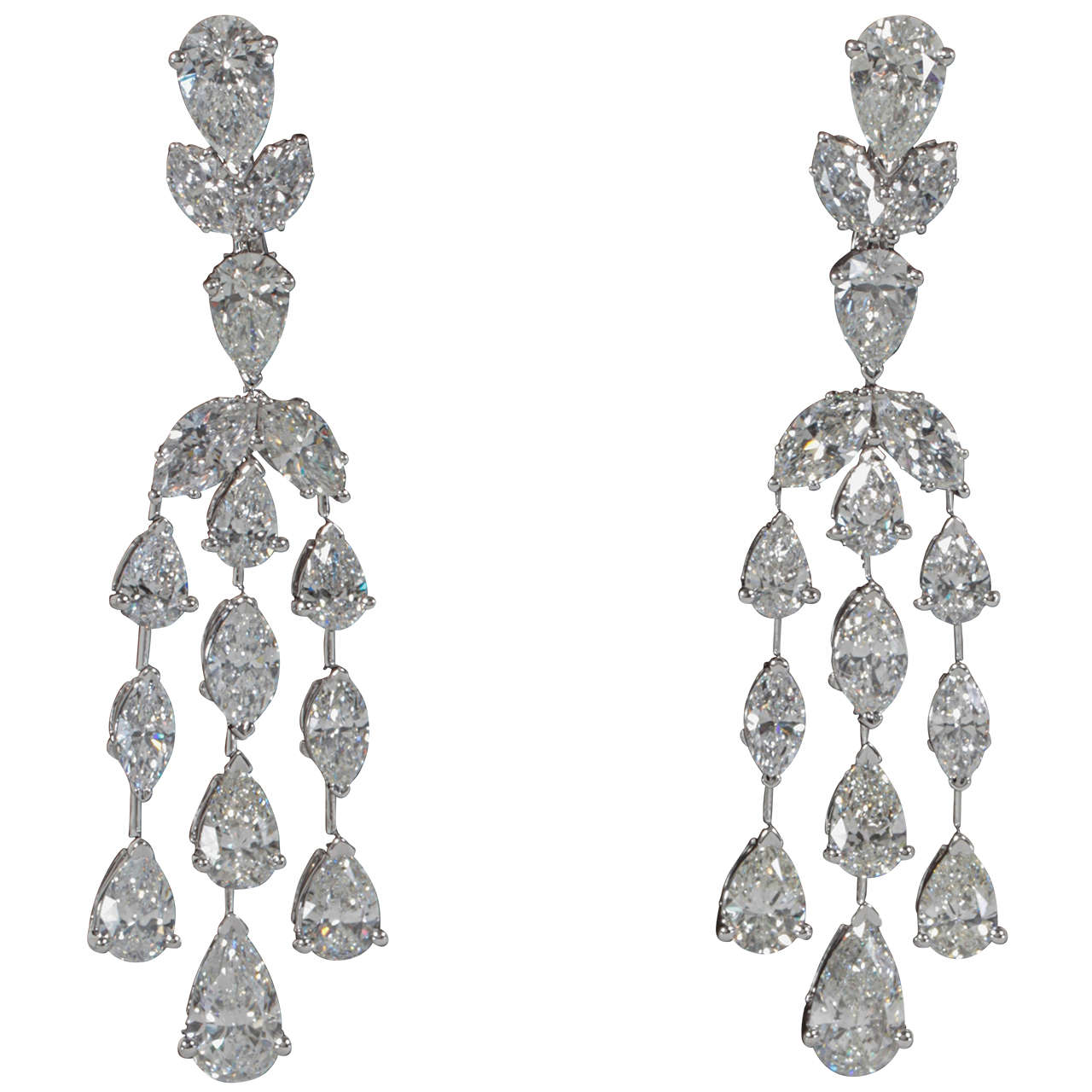 Clic Diamond Drop Earrings For