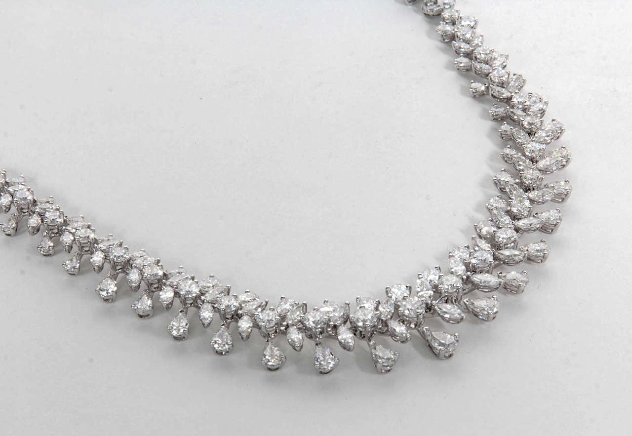 Classic Diamond Wreath Necklace 4