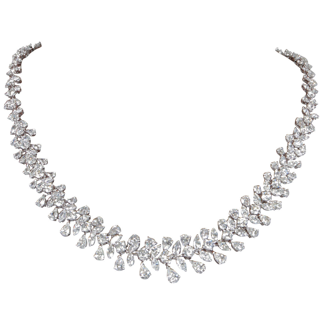 Classic Diamond Wreath Necklace