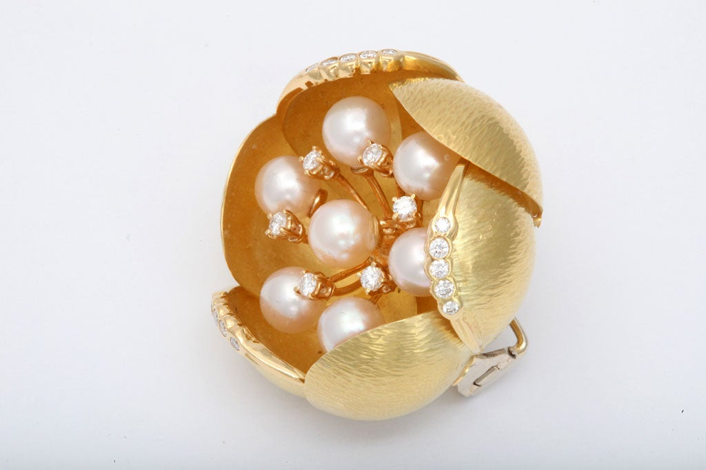 Women's Cultured Pearl &diamond Oversized Floral Brooch For Sale
