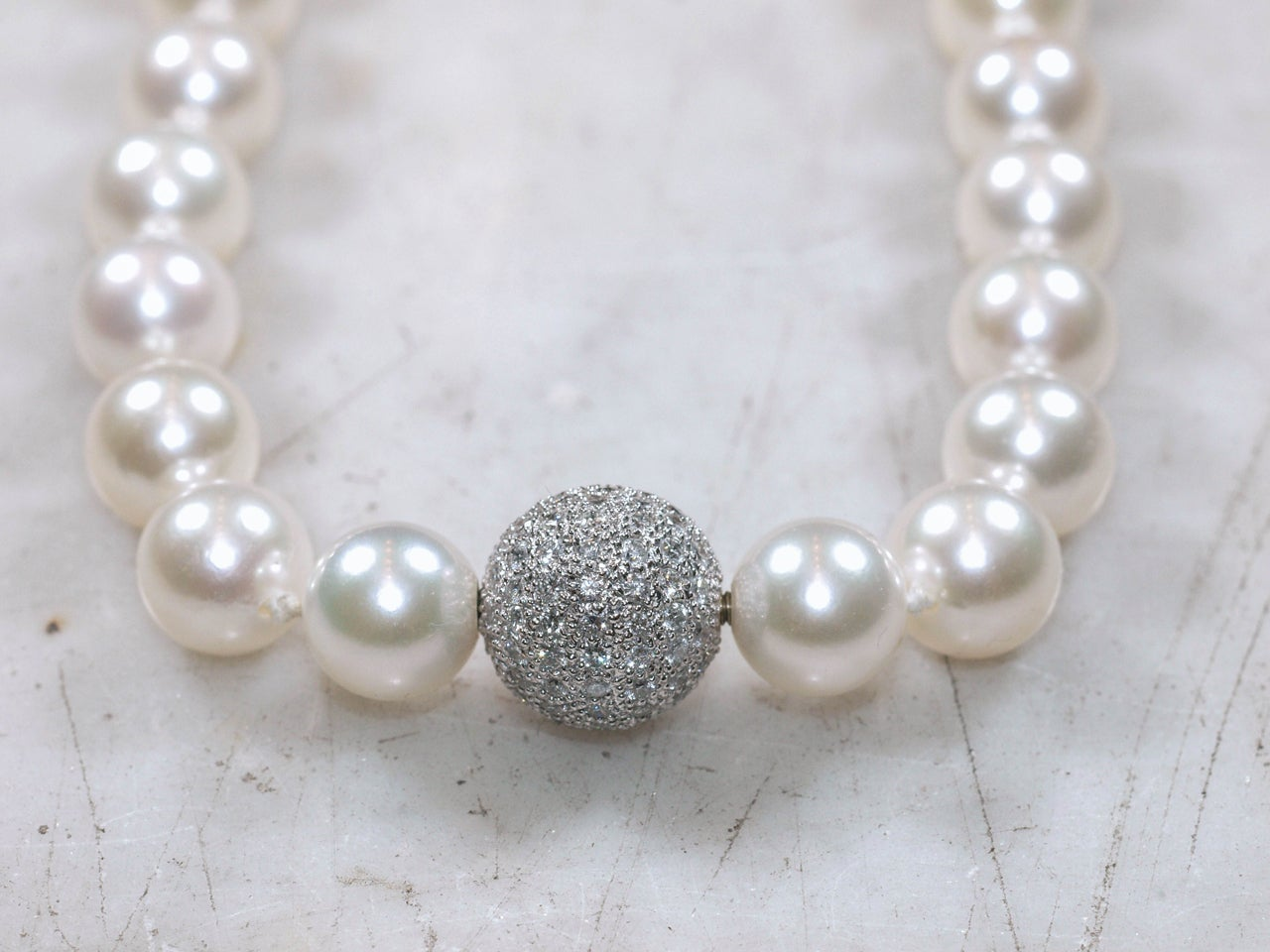 Classic Strand Pearl Necklace with Diamond Ball Clasp In Excellent Condition For Sale In New Orleans, LA