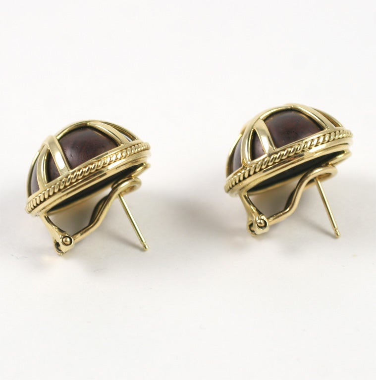 18kt Yellow Gold and Wood Earring 2