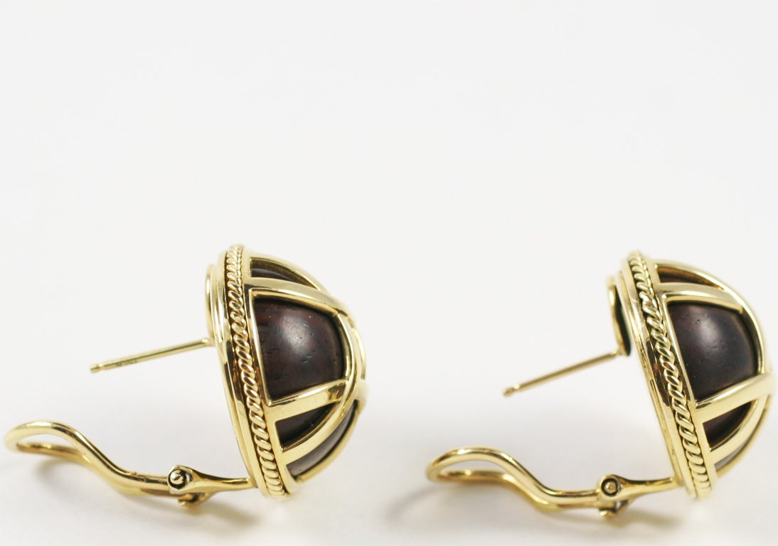 18kt Yellow Gold and Wood Earring 3