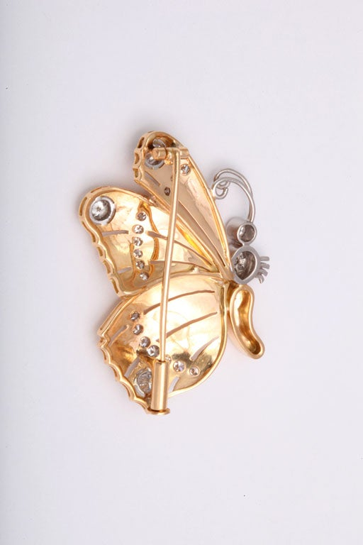 Retro Diamond Gold Butterfly Brooch Pin In Excellent Condition For Sale In Miami Beach, FL
