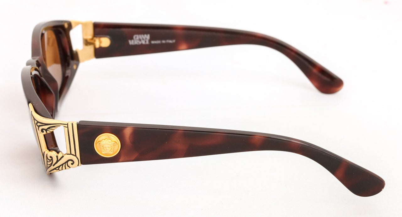 Brown Gianni Versace Sunglasses Mod 482 COL 900 For Sale