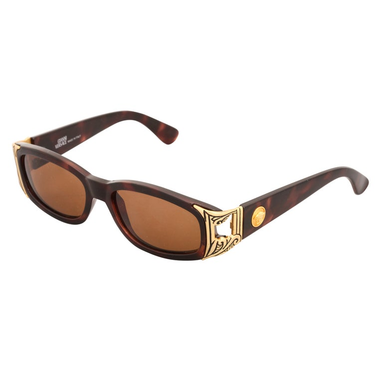 59d5ca266 Gianni Versace Sunglasses Mod 482 COL 900 at 1stdibs