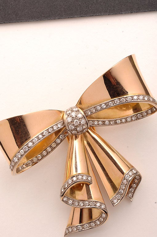 Women's Retro Gold and Diamond Bow Brooch For Sale