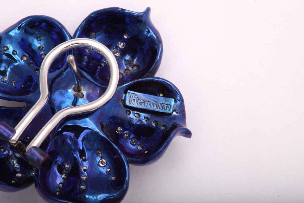 Fantastic Electric Blue Titanium and Diamond Flower Earrings For Sale 2