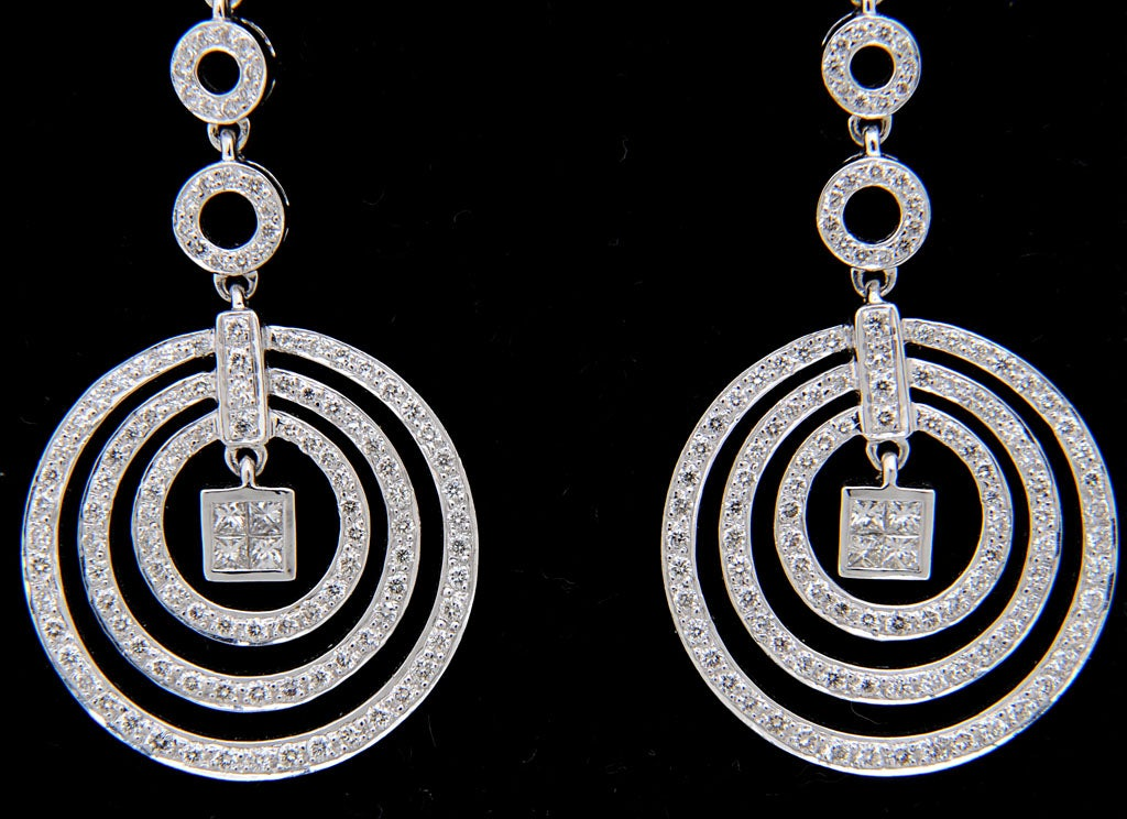 Diamond Dangling Circle White Gold Drop Earrings 3
