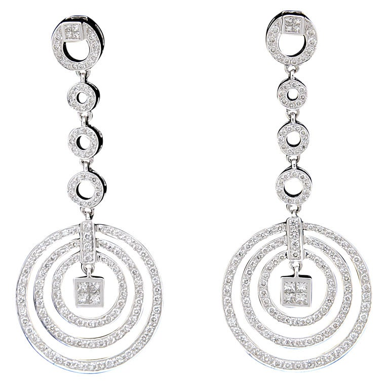Diamond Dangling Circle White Gold Drop Earrings