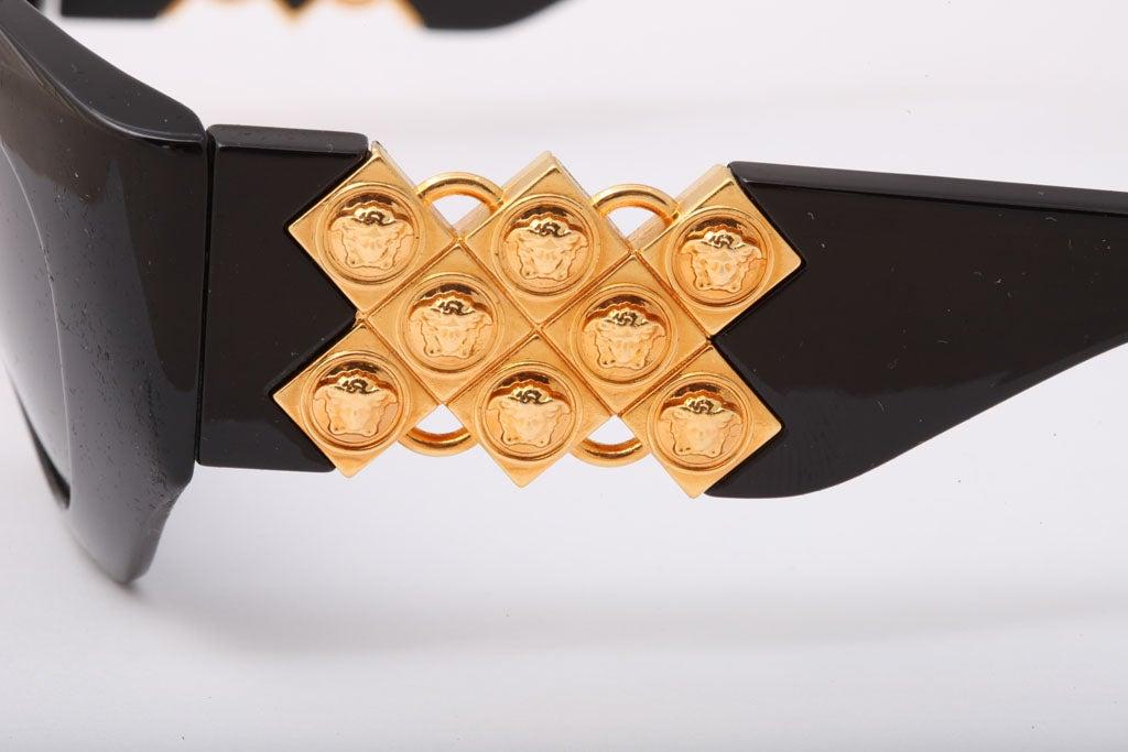 Women's Gianni Versace Sunglasses Mod 420/D For Sale
