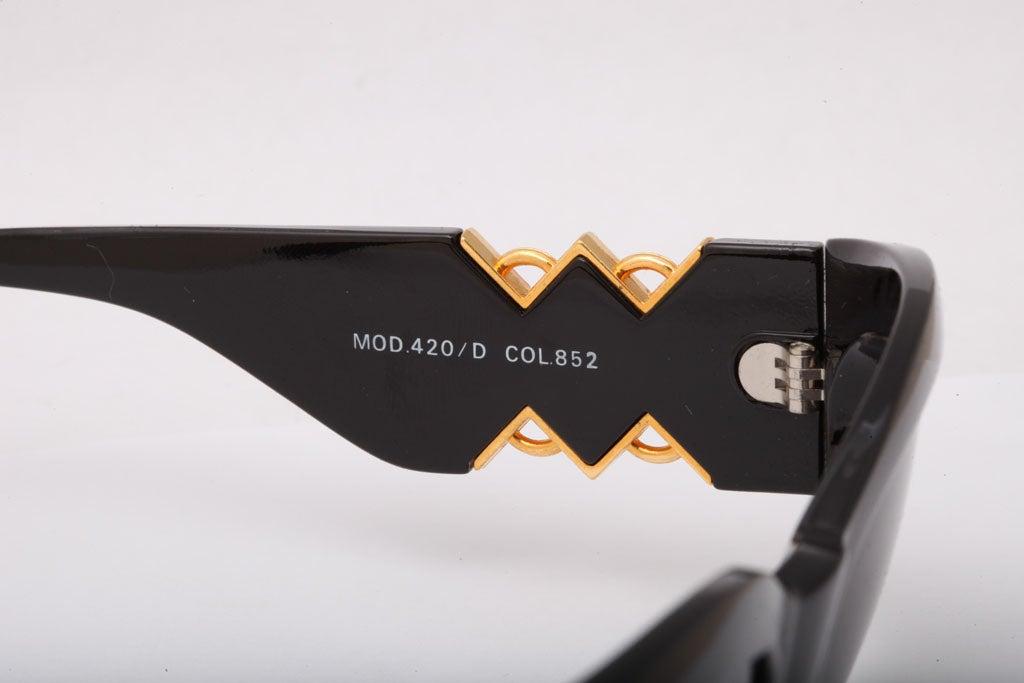 Gianni Versace Sunglasses Mod 420/D For Sale 2