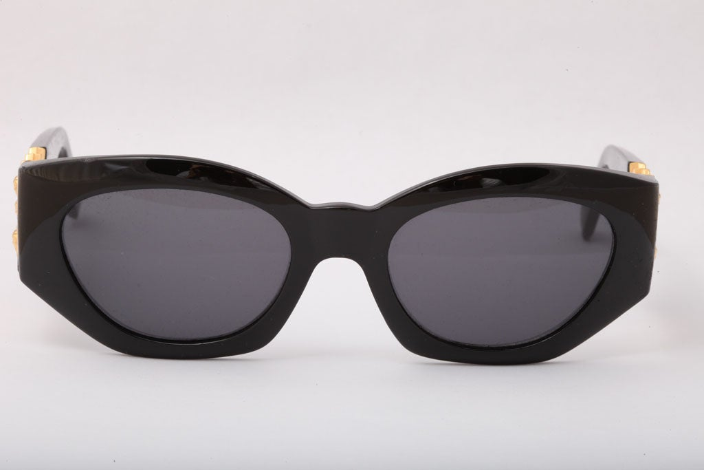 Black Gianni Versace Sunglasses Mod 420/D For Sale