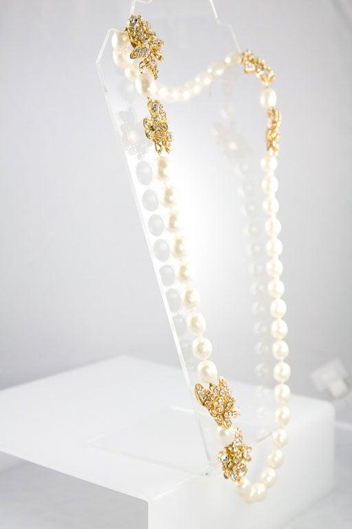 Women's Chanel Stunning Pearl and Rhinestone Sautoir For Sale