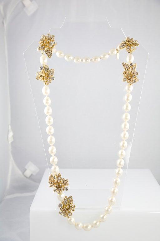 Chanel Stunning Pearl and Rhinestone Sautoir For Sale 4