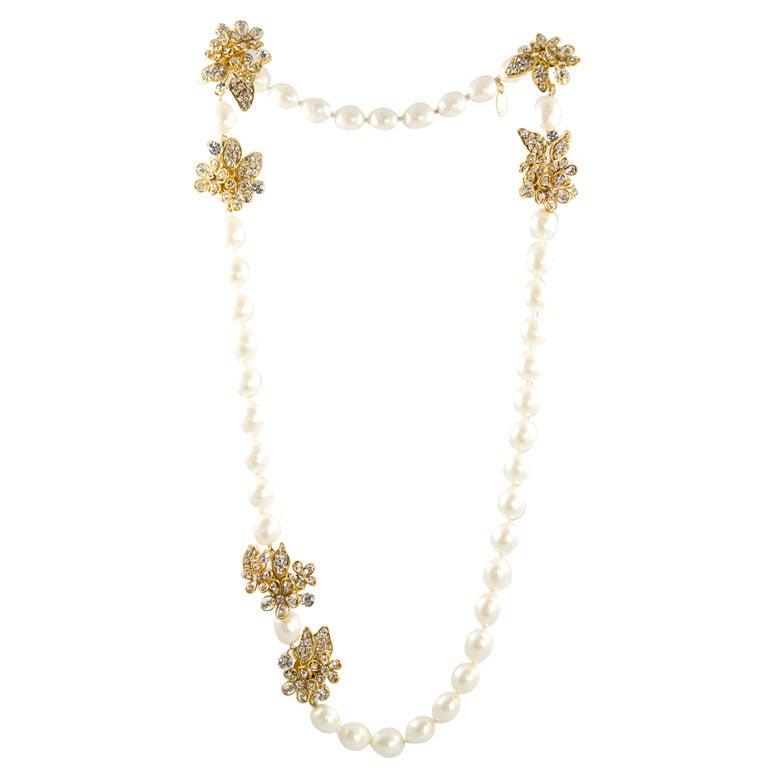 Chanel Stunning Pearl and Rhinestone Sautoir For Sale