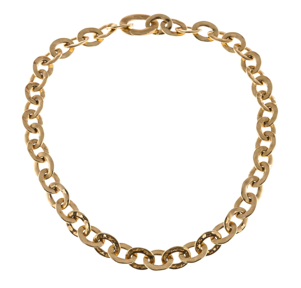 Authentic Pomellato solid textured graduated oval 18k yellow gold  link 17 inch necklace. Large textured link hinged open as a catch.  18k Yellow gold Oval link necklace 11.88 to 17.64mm Tested: 18k Stamped: 750 Hallmark: Pomellato Length: 17