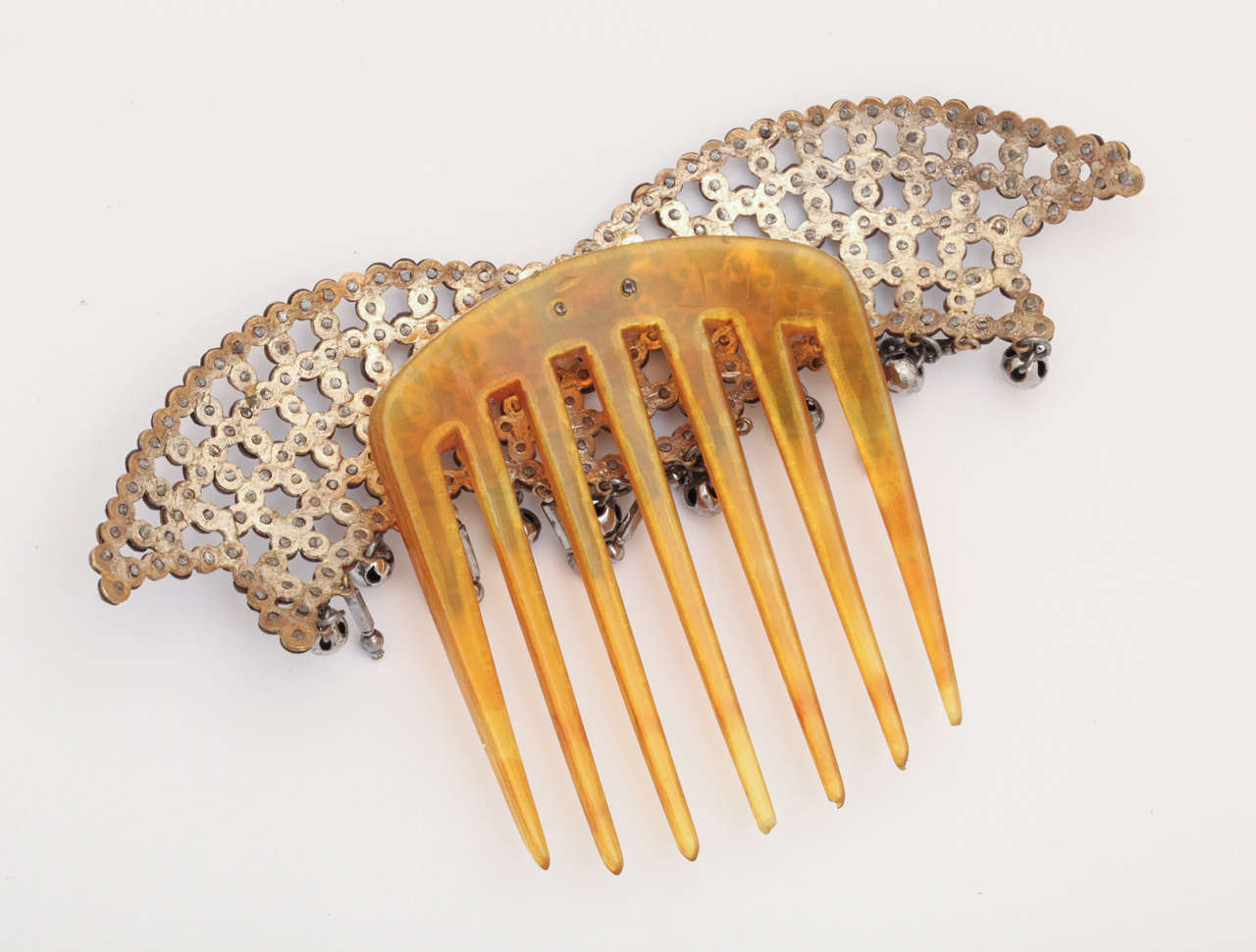 Lush and Luscious Georgian Hair Comb In Excellent Condition For Sale In Hastings on Hudson, NY