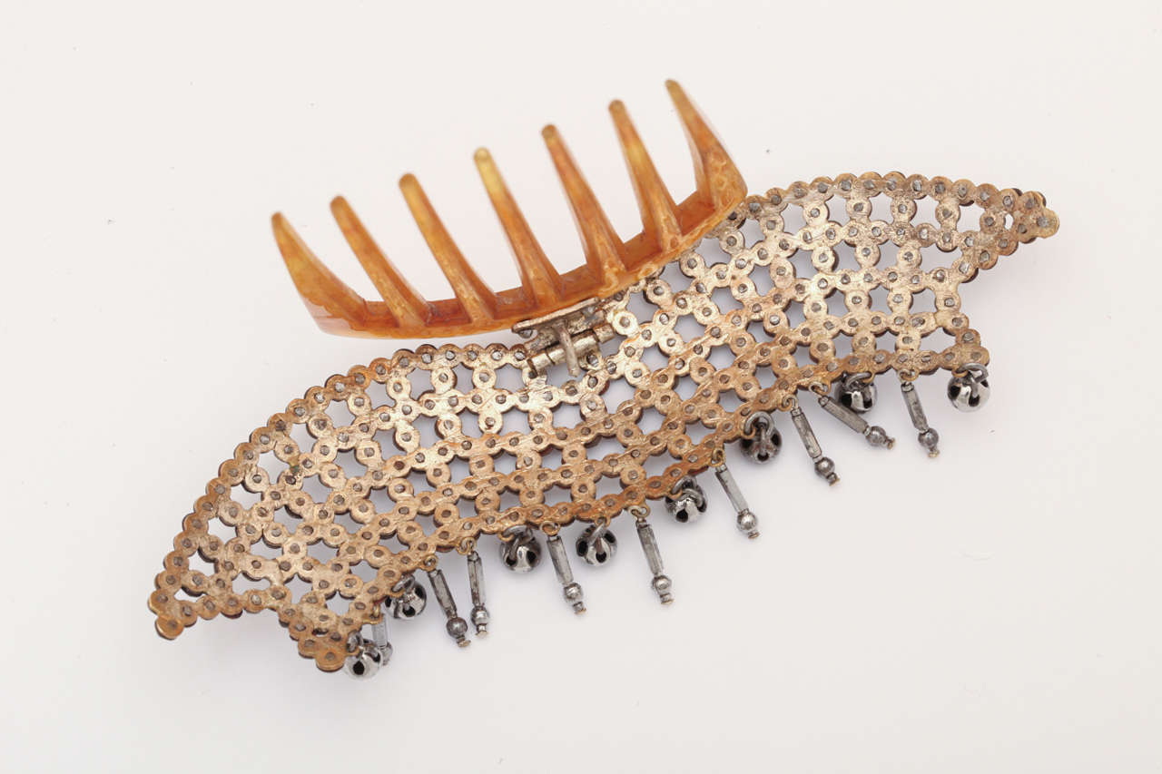 Women's Lush and Luscious Georgian Hair Comb For Sale