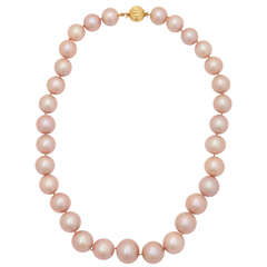 Important Pink Pearl Necklace