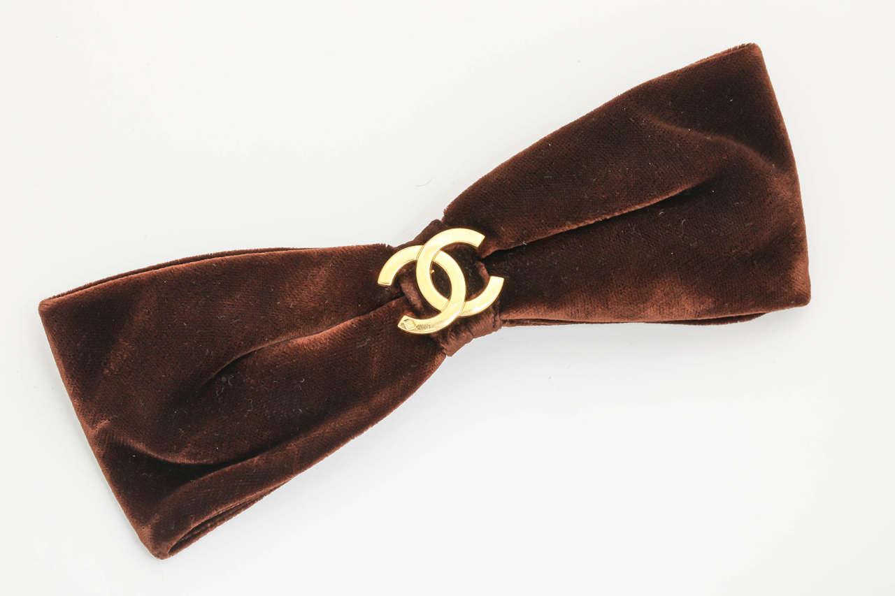 Chanel CC Large Brown Velvet Bow Hair Clip 2