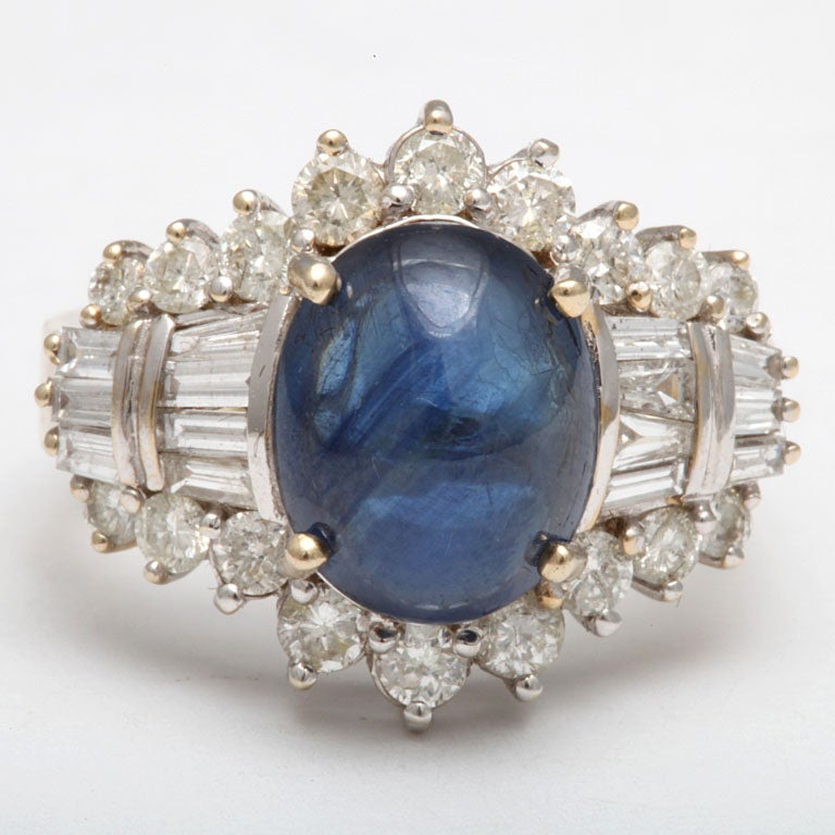 Cabochon Sapphire & Diamond Ring In Excellent Condition For Sale In New York, NY