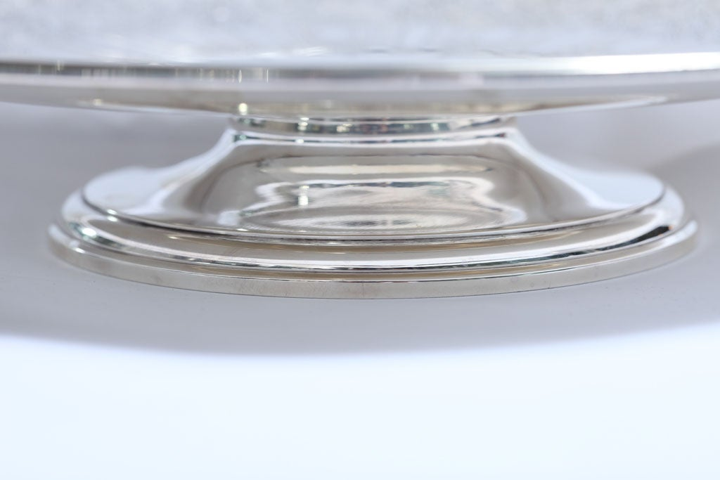 Art Deco Sterling Silver Tiffany and Co.  Pedestal Based Serving Platter In Good Condition For Sale In New York, NY