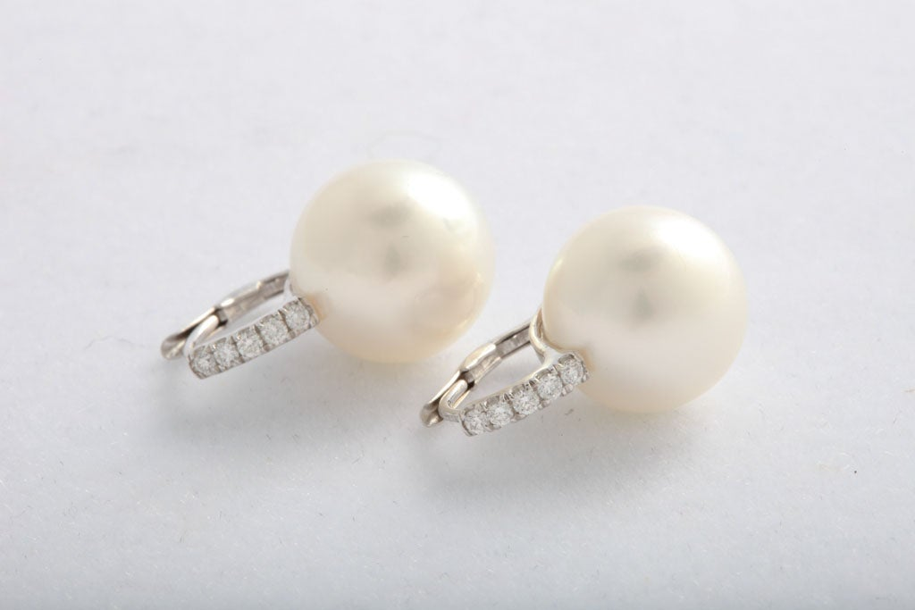 South Sea pearl and diamond earrings 4