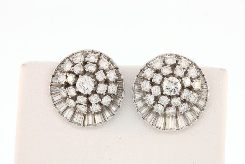 Diamond Satellite Earclips In Excellent Condition For Sale In New York, NY