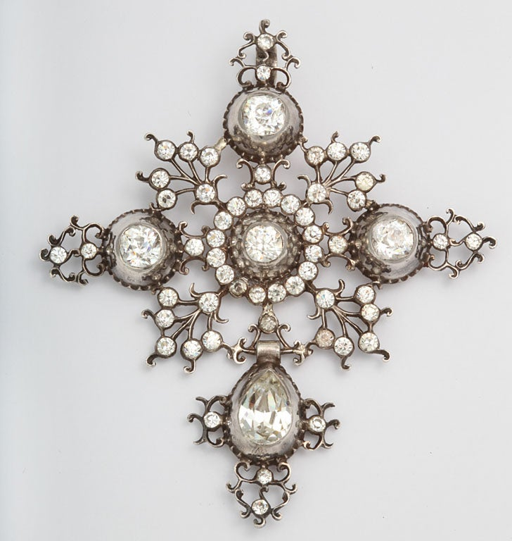 At its finest, antique paste jewelry was made treating the pastes like gemstones. This was a venerated art form, its beauty and workmanship admired and collected by royalty and the wealthy in its own right, not as an imitation. Note the fineness of