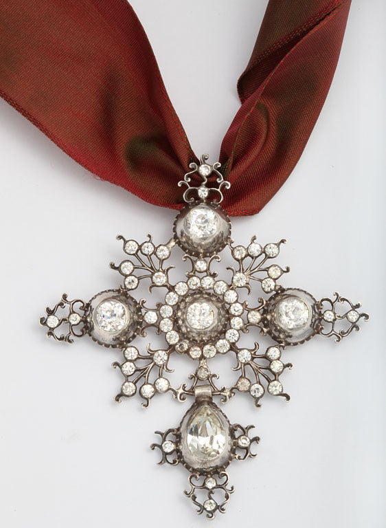 Perfection in a Georgian French Paste Pendant For Sale 3