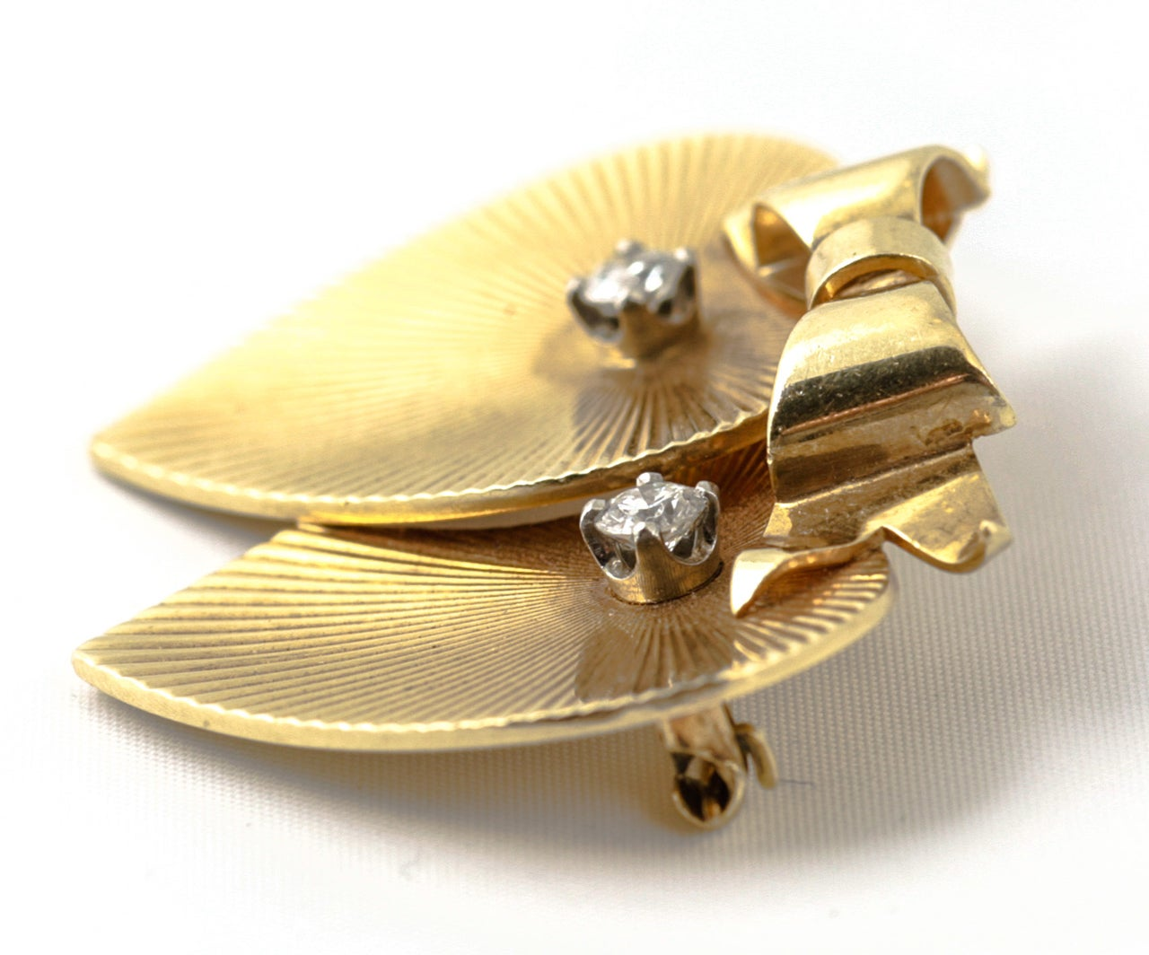 Tiffany & Co. Double Heart Diamond Gold Brooch In Excellent Condition For Sale In London, GB