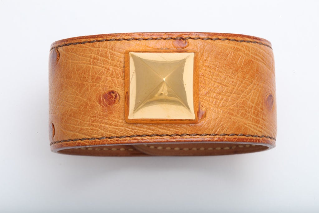 Very rare Hermes ostrich medor bangle in gold/gold(light brown). Height 1.2 inches, Circumference 6.7 inches