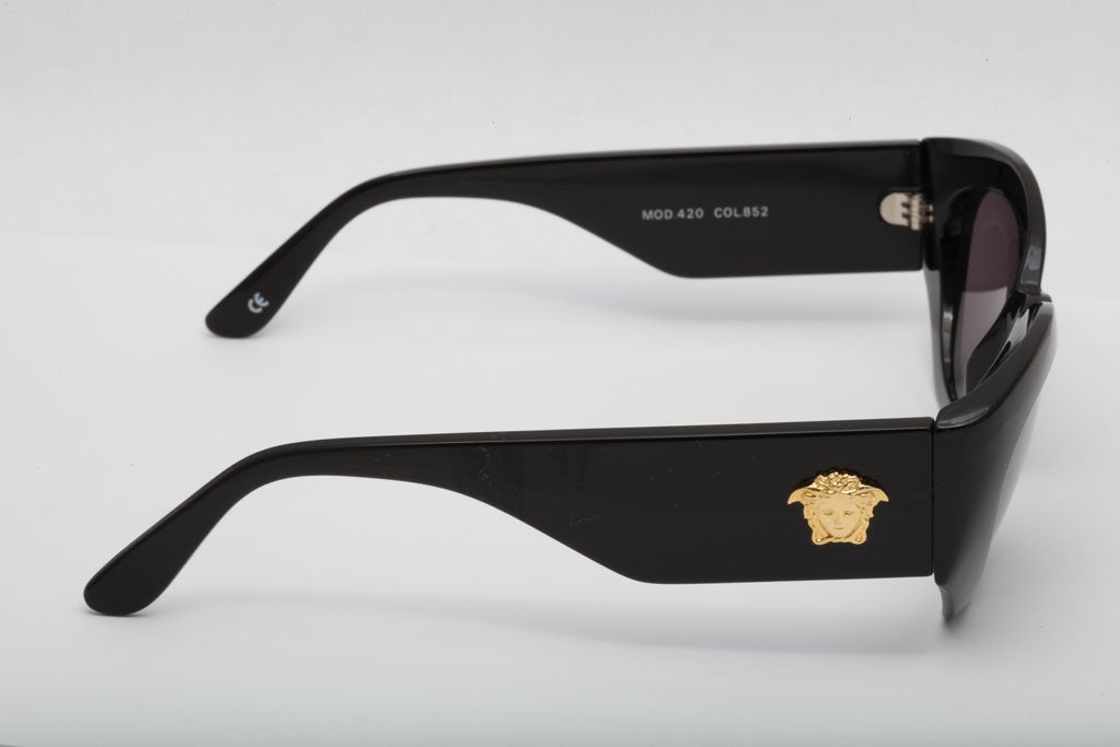 Versace Sunglasses MOD 420 COL 852 For Sale 1