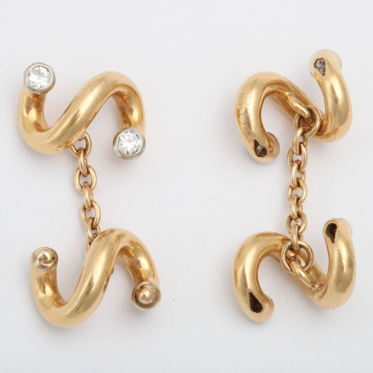 VAN CLEEF & ARPELS  Gold and Diamond Cuff Links 4