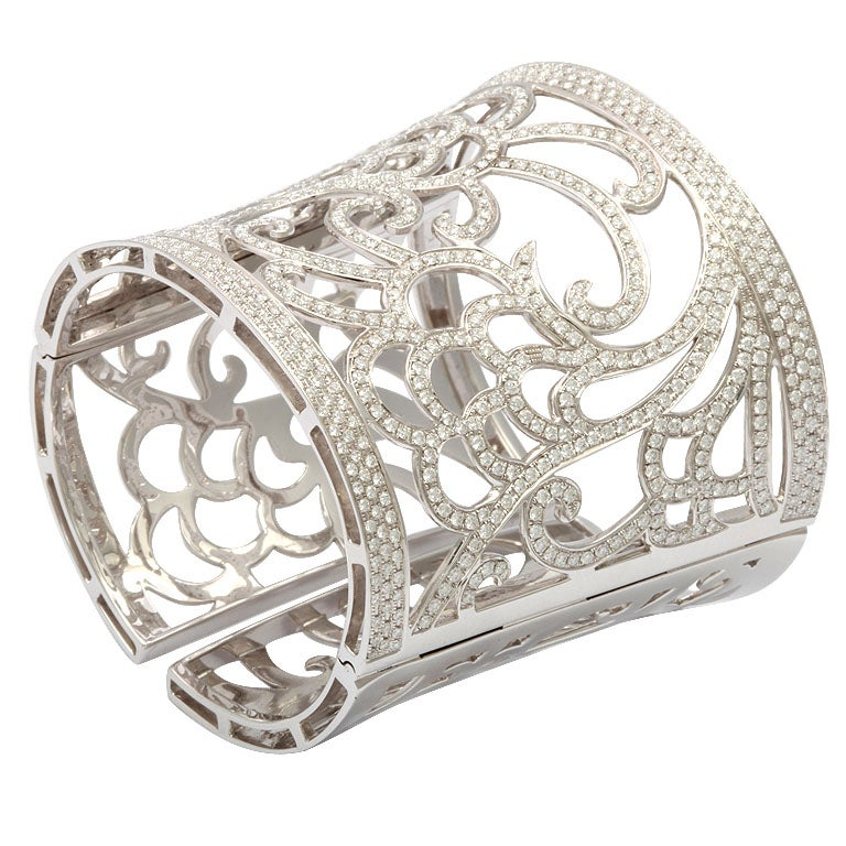 VERGANO Diamond and White Gold Hinged Tapered Cuff Bracelet For