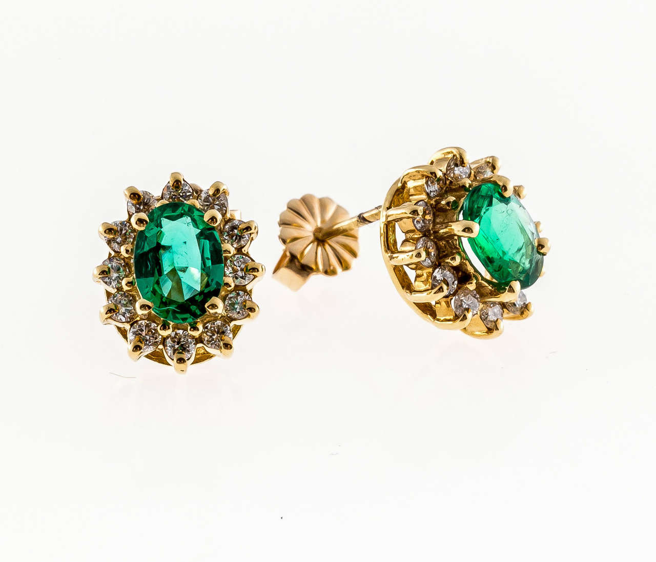 Green Emerald Diamond Yellow Gold Earrings For Sale at 1stdibs