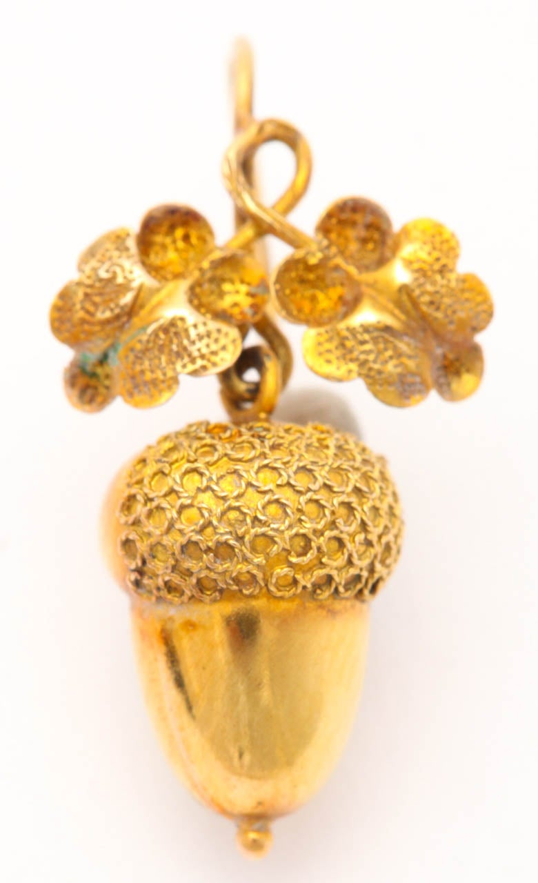 Victorian Mighty Pee Golden Acorn Earrings In Excellent Condition For Hastings On Hudson
