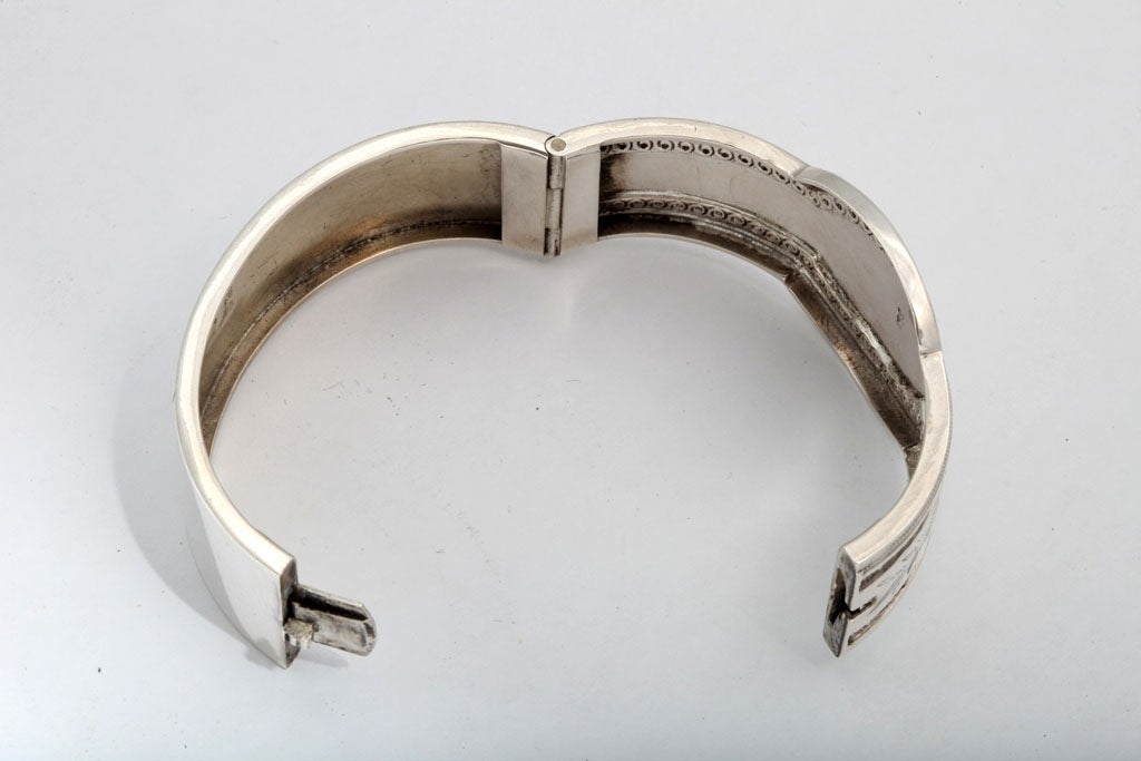 Unusual Victorian Sterling Silver Etched Bangle Bracelet image 4